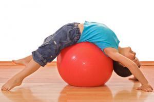 зарядка способствует выработке у детей правильного отношения к телу