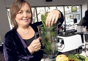 """многочисленные споры вокруг """"зеленых коктейлей"""" развернулись по поводу использования блендера при приготовлении"""