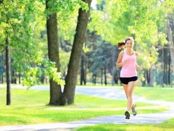 бегаем утром на природе для похудения