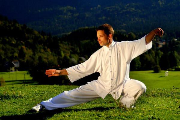 гимнастика для тела - одно из непростых упражнений цигуна