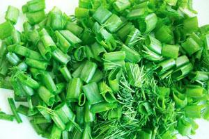 полезно употреблять зеленый лук сырым