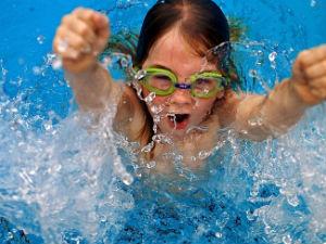 плавание в бассейне круглый год