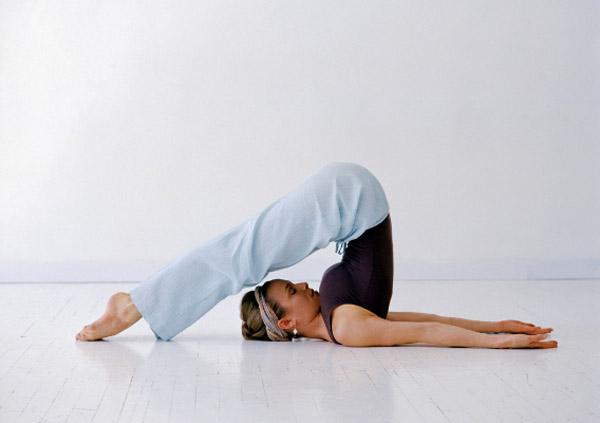 современная западная йога - халасана