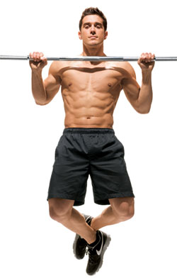 прямой хват дает полную нагрузку на мышцы спины