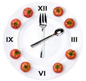 диета Малышевой предполагает питание строго по часам