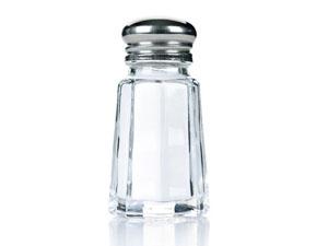 не используйте соль при приготовлении и употреблении пищи